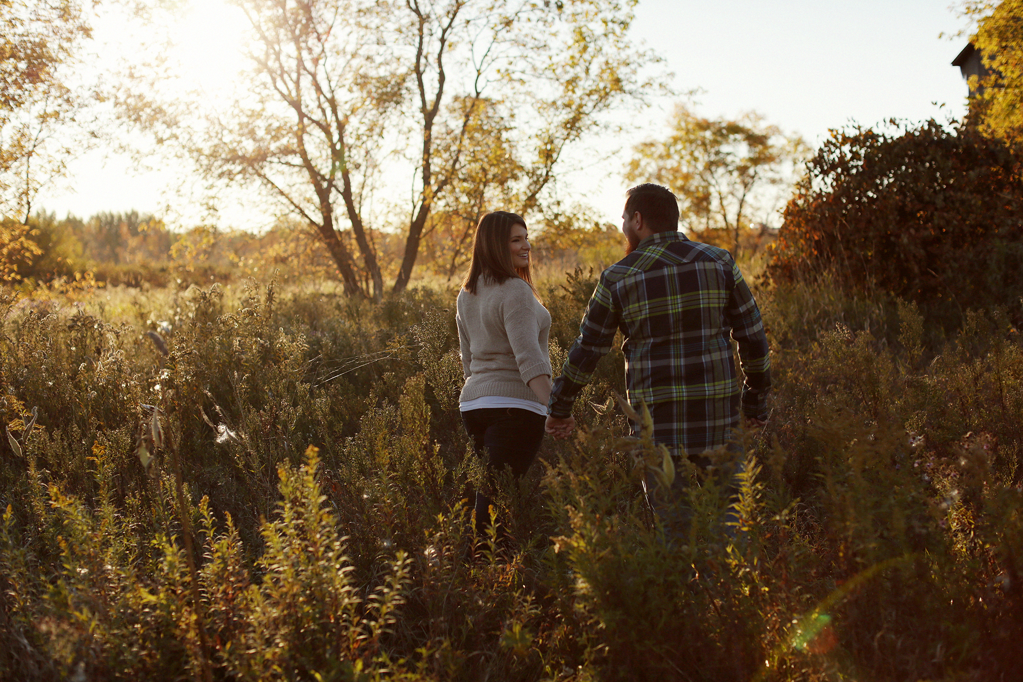rustic-barn-engagement_0006