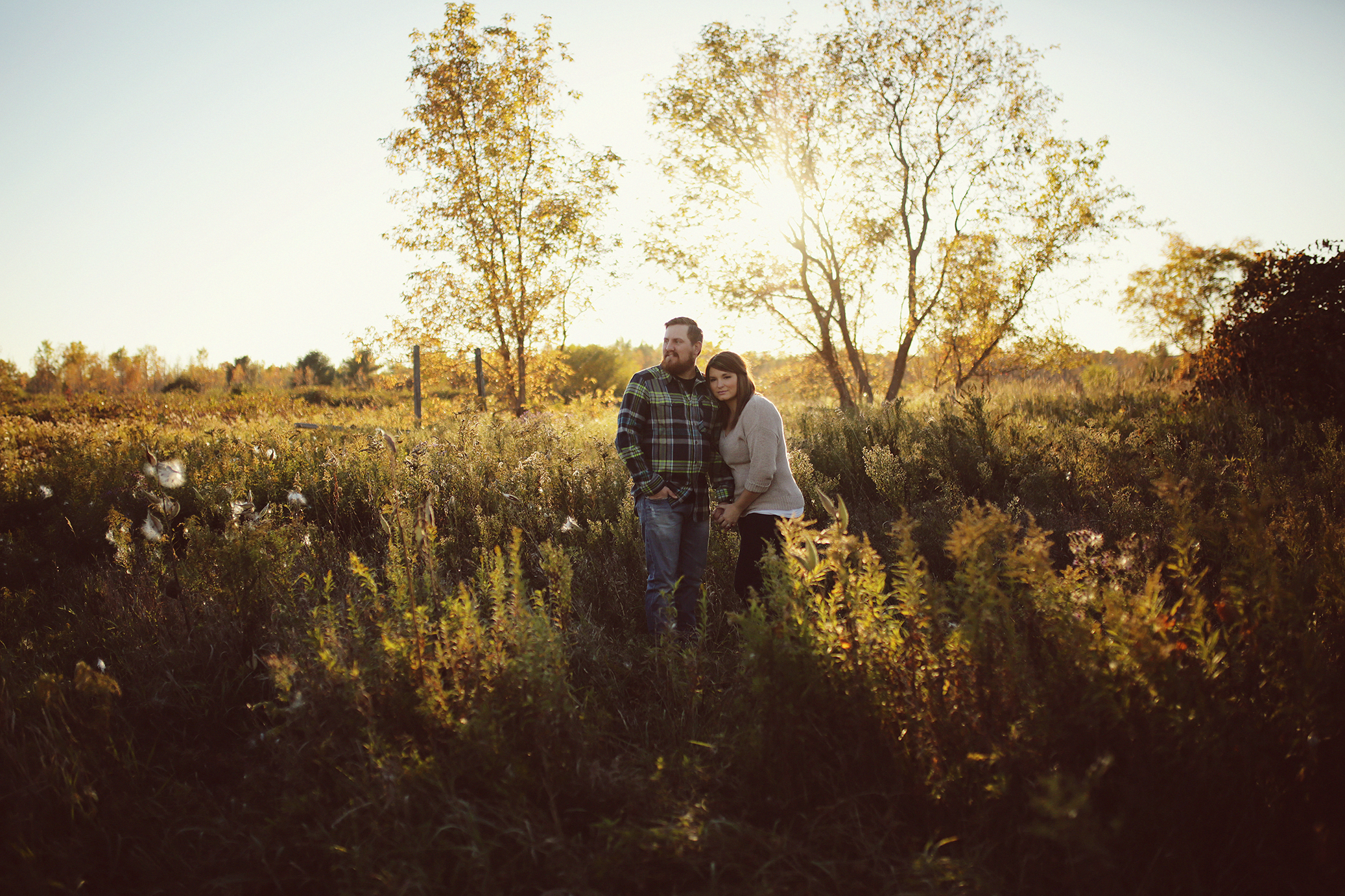 rustic-barn-engagement_0007