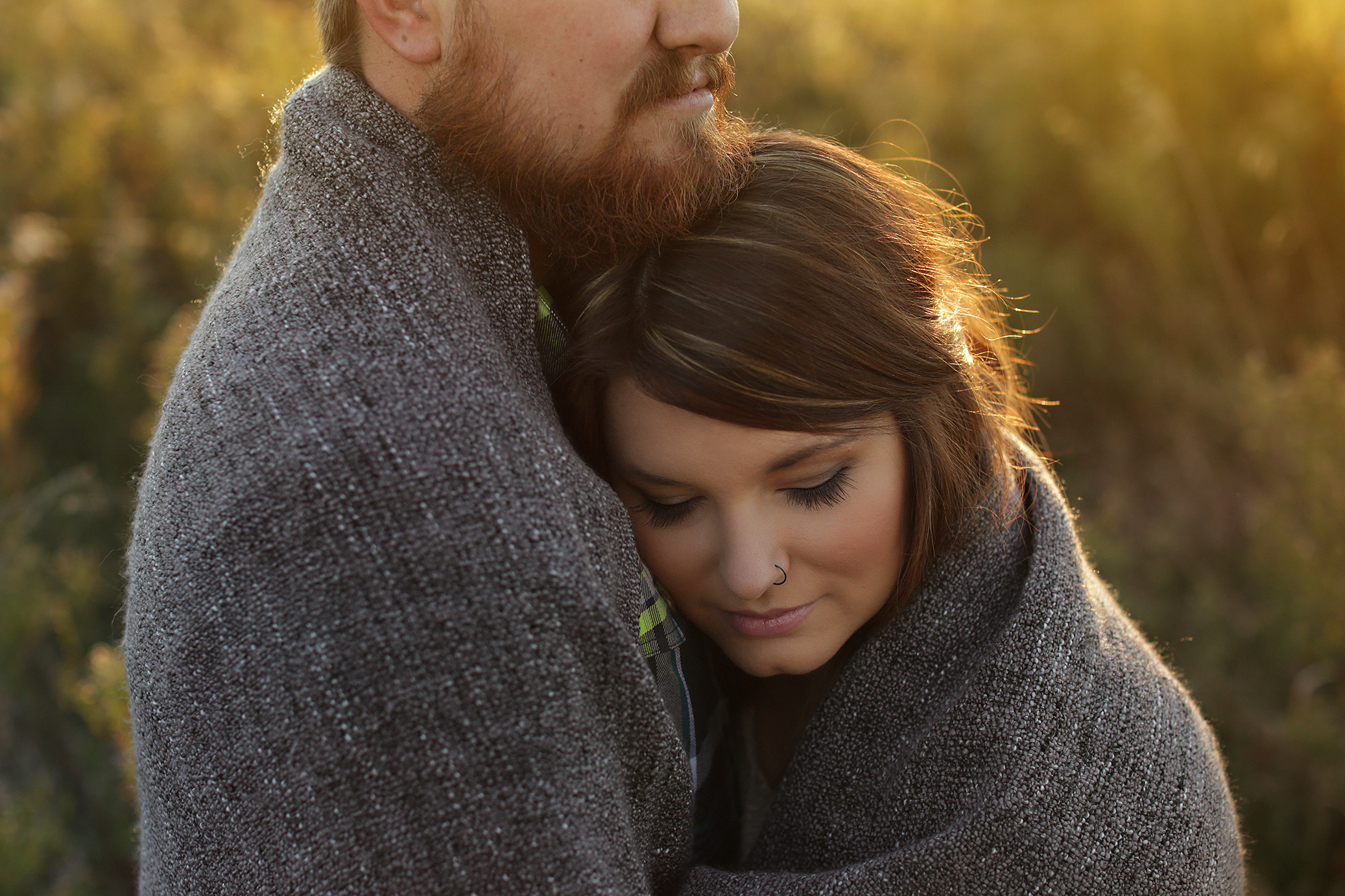 rustic-barn-engagement_0010
