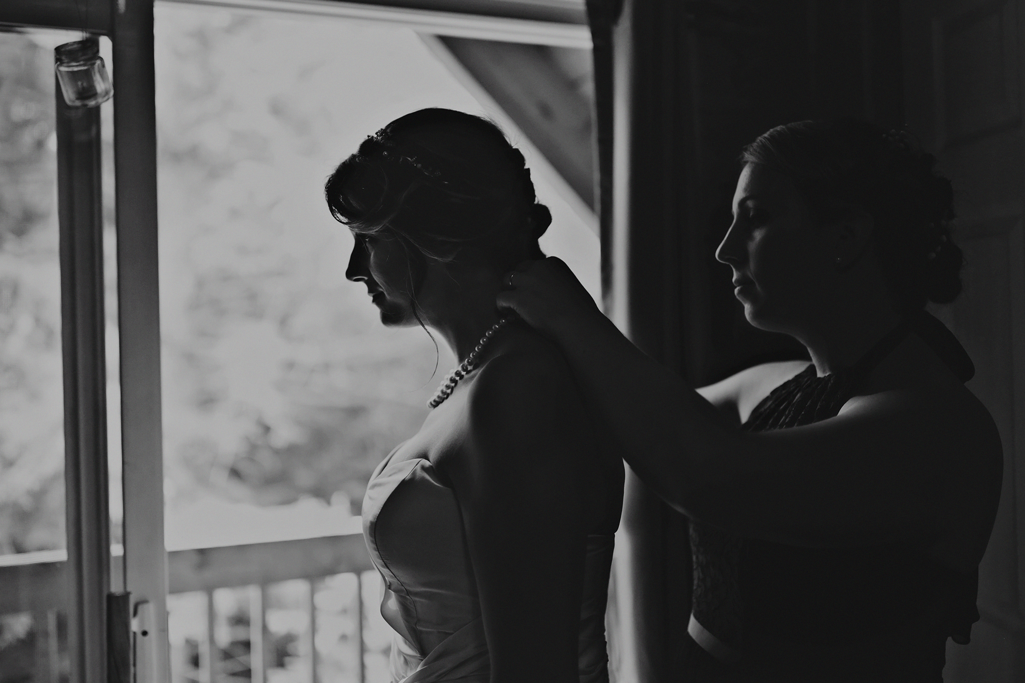 Intimate_Haliburton_Wedding_0011