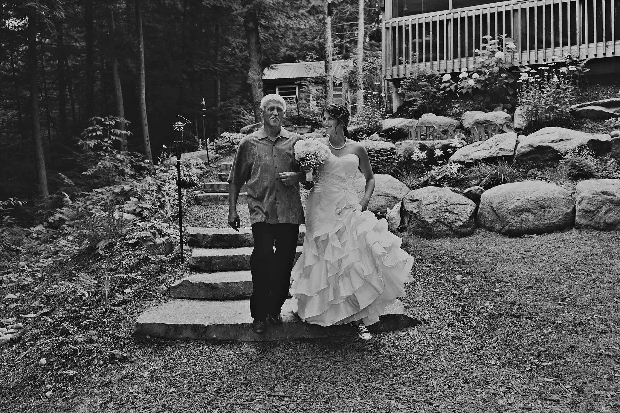 Intimate_Haliburton_Wedding_0021