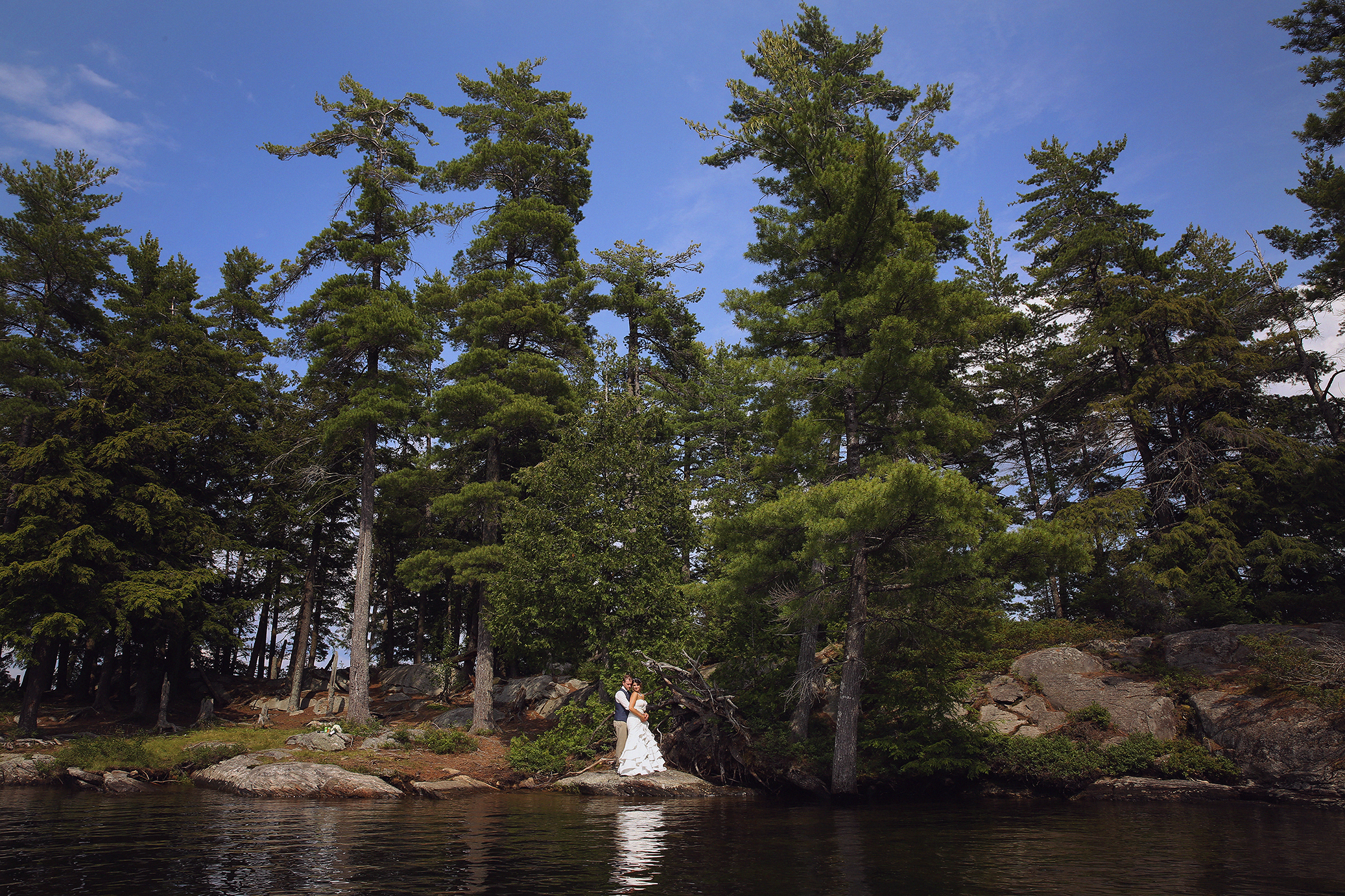 Intimate_Haliburton_Wedding_0037
