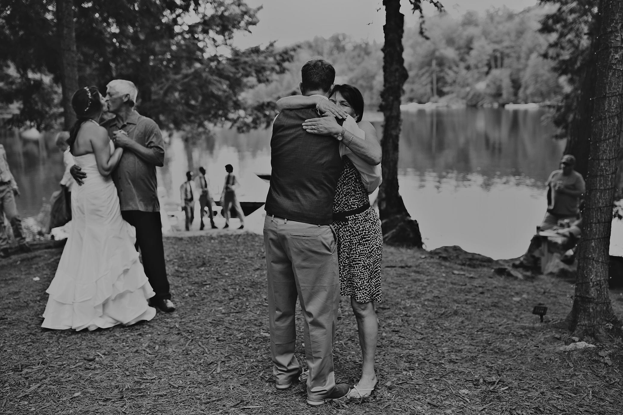 Intimate_Haliburton_Wedding_0044